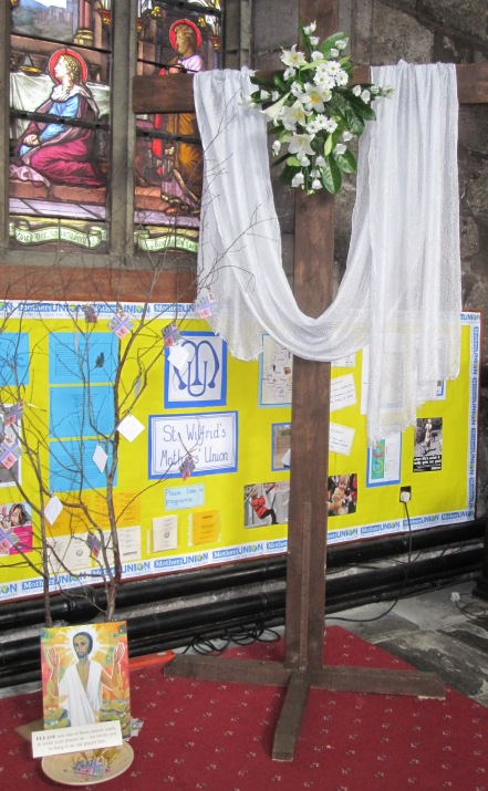 Main body of church Easter (10a)