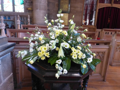Main body of church Easter 2015 (6)