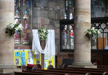 Main body of church Easter 2015 (9)