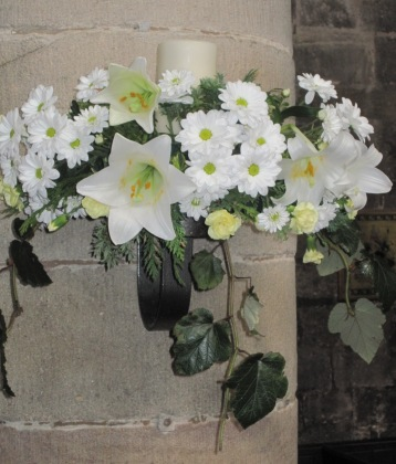 Main body of church Easter (2b)