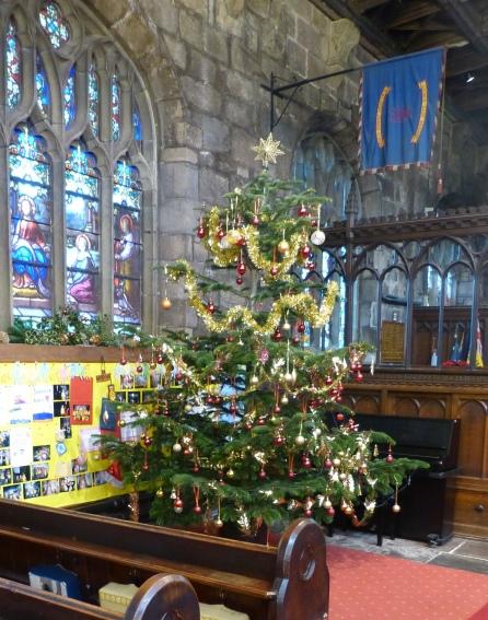 Nativity & Tree Christmas 2015 (3)