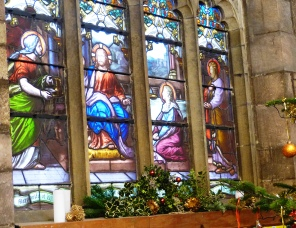 Nave Window Christmas 2015 (1)