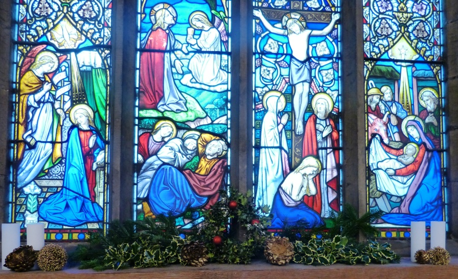 Nave Window Christmas 2015 (7)